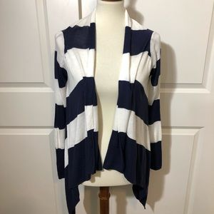 H&M Sweaters - ✨EUC H&M Open Front Cardigan✨